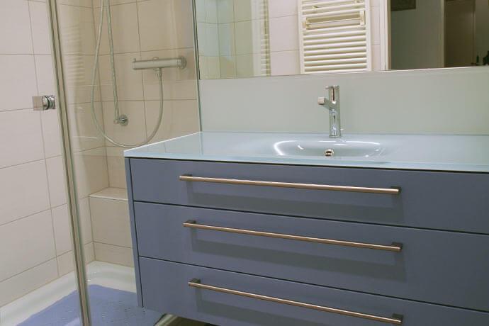 badezimmer umbau und m bel. Black Bedroom Furniture Sets. Home Design Ideas